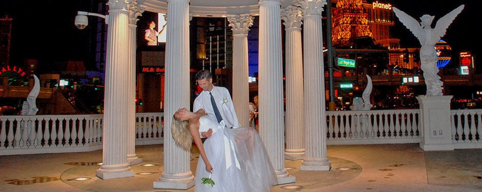 The Pros And Cons To Elope In Las Vegas Infographic 101