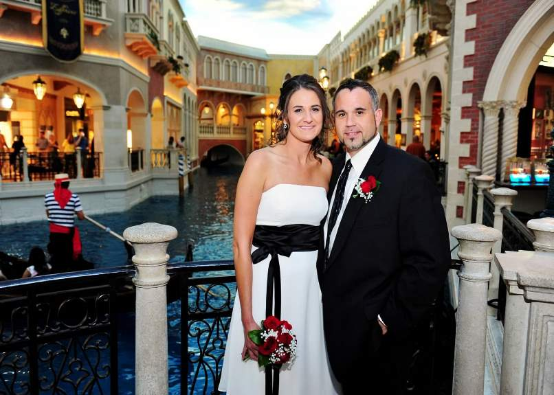 Ideas for eloping in vegas you probably dont know about for Simple vegas weddings