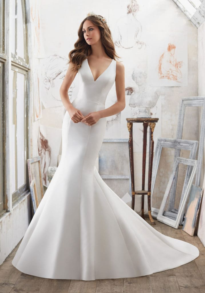 10 simple and elegant wedding dress styles for getting for Simple vegas weddings