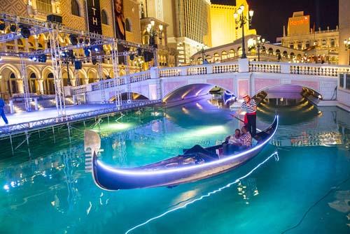 romantic Las Vegas Venetian gondola ride