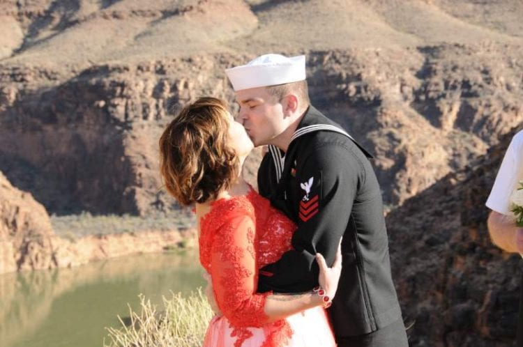 wedding vow renewal kiss at the Grand Canyon