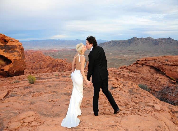 Valley of Fire desert elopement photo