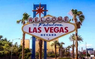 11 Valuable Tips for Eloping in Las Vegas